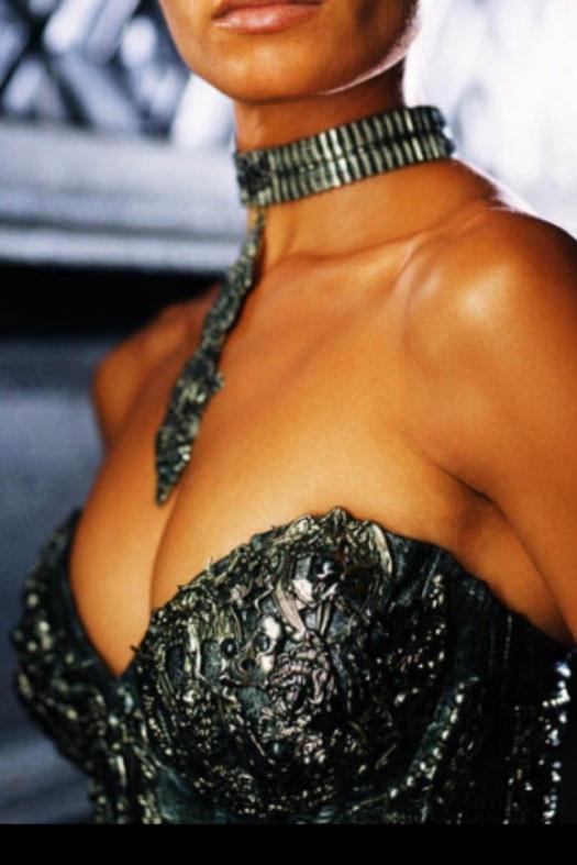 décolletage, fashion, body shape, style, fashion style, melbourne dressmaker,